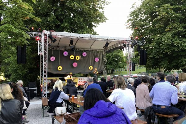 events-bluemonday-rueckblick-valerie-sajdik-mario-berger-2-fischauer-thermalbad