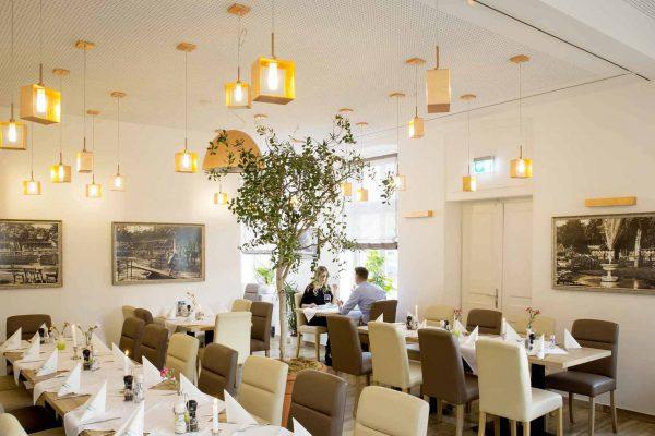 gastronomie-badrestaurant-fischauer-thermalbad